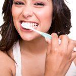 Zahnfleischentzündung Parodontitis: Was sind ihre Ursachen? | Zahnarzt Lauf